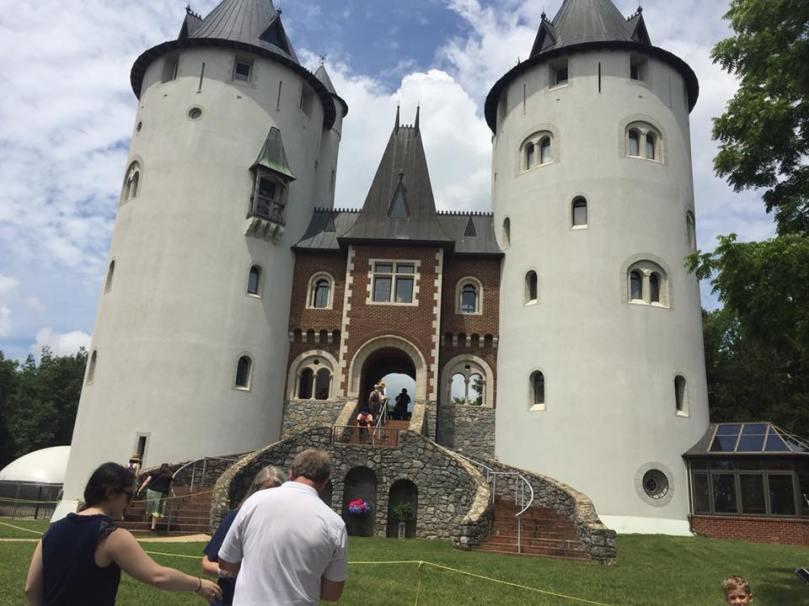 Castle Gwyn, front